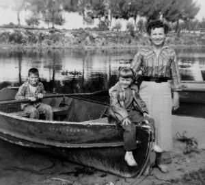 nan-mom-lar-boat
